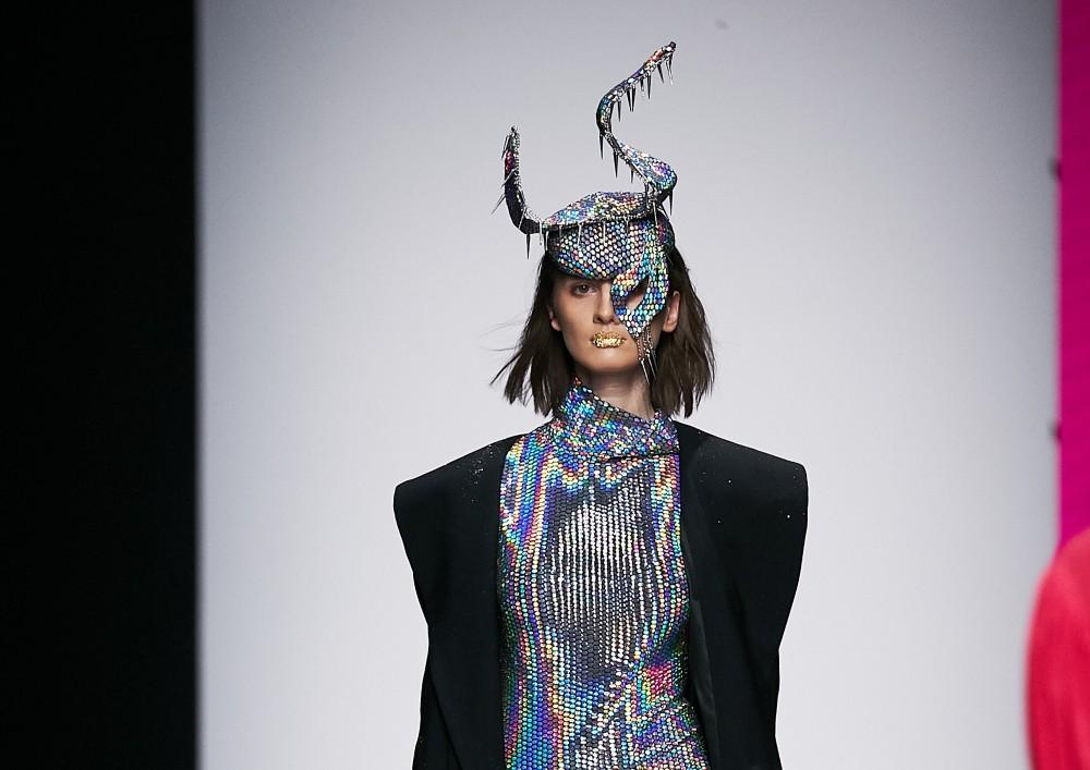 Шляпы Lilia Fisher в коллекции KATERINA KOSHKINA на Mercedes-Benz Fashion Week Russia